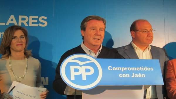 Miguel Ángel García Anguita, interviene en la rueda de prensa.