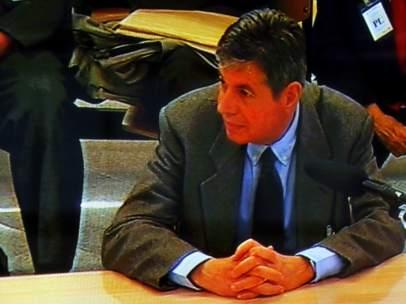 El exalcalde de Santa Coloma de Gramenet, Bartomeu Muñoz, declarando ante la Audiencia Nacional de Madrid como imputado por el 'caso Pretoria' de corrupción urbanística.
