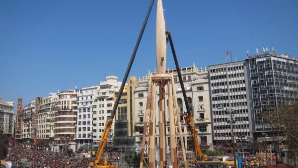 Falla municipal de Valencia 2017 en su proceso de montaje
