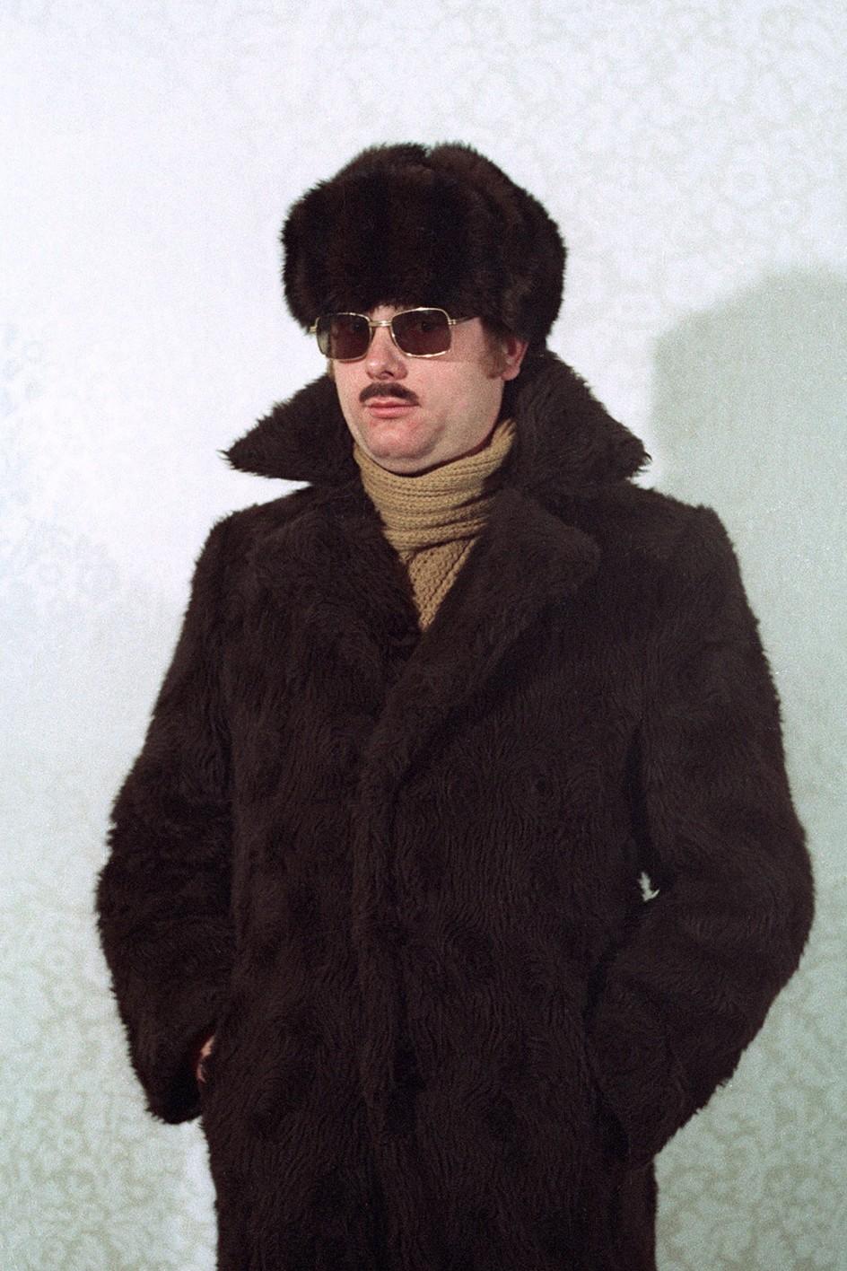 Simon Menner, Untitled, 2013, Stasi agent during a seminar on disguises. Un agente de la Stasi en un seminario sobre técnicas de disfraces