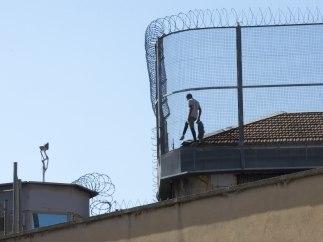 Preso en el tejado de la cárcel Modelo