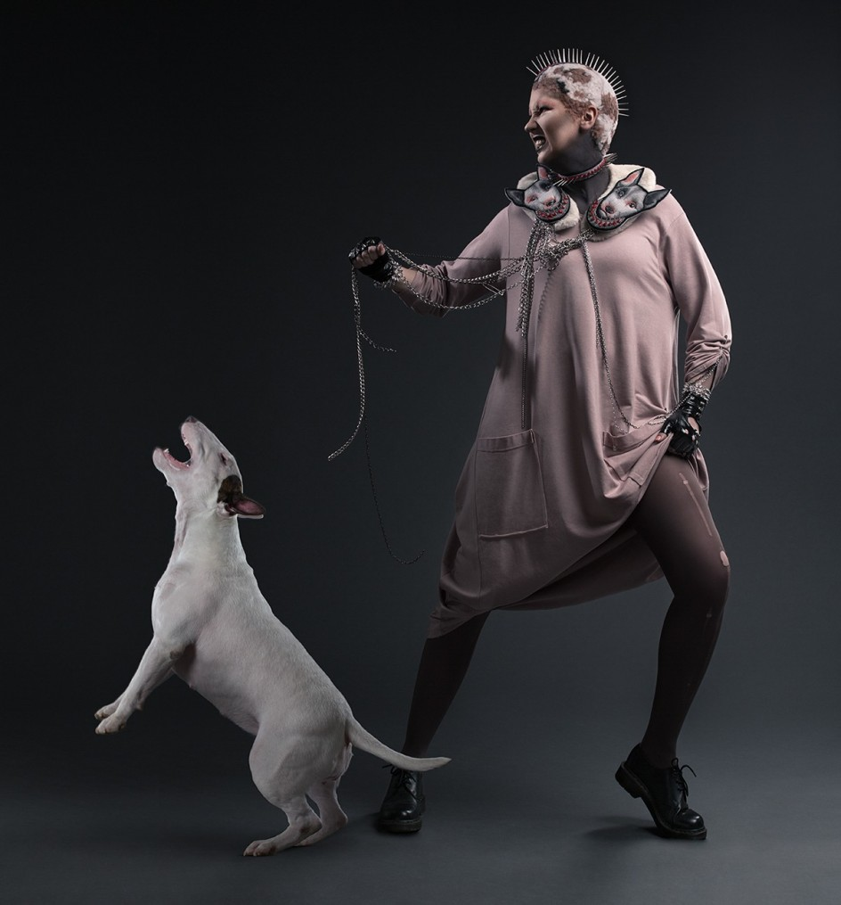 Alexander Khokhlov - 'Dogs Alike', 4. Un 'pitbull' y su dueña, retratados por Alexander Khokhlov