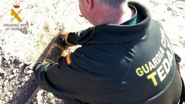 Proyectil de la Guerra Civil hallado durante unas obras en Lanave