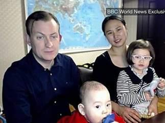 La BBC vuelve a entrevistar al profesor que fue interrumpido por sus hijos durante una conexión en directo