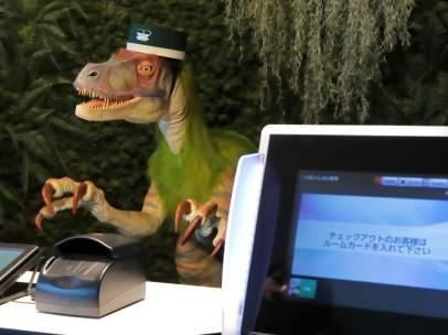 Uno de los dos dinosaurios robotizados