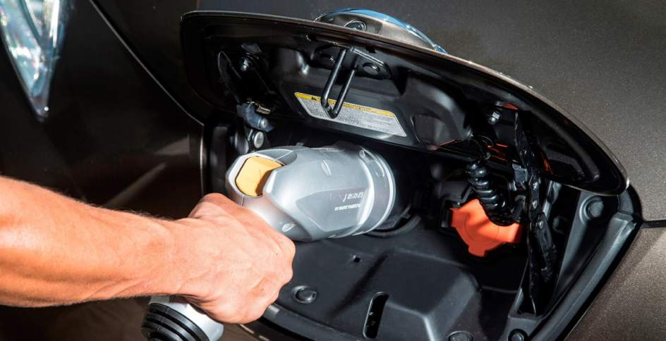 Carga de un Nissan LEAF