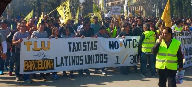 Imagen de la manifestación de taxistas en Arc del Triomf de Barcelona.