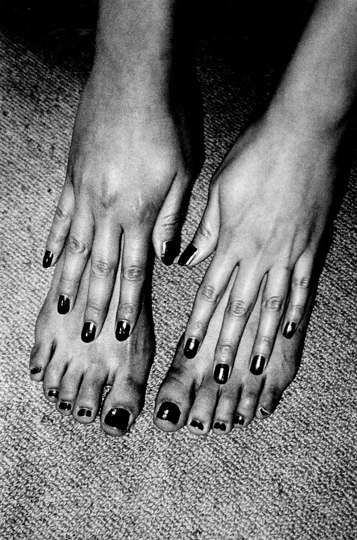 Daido Moriyama, Untitled, from 'A room', 2015 . En la serie 'A room' el fotógrafo Daido Moriyama no muestra las caras de sus citas sexuales