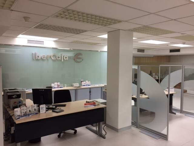 Ibercaja implanta en teruel su modelo de oficina de for Ibercaja oficinas zaragoza