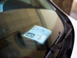 Tarjeta de aparcamiento para personas con discapacidad