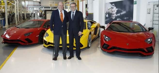 El rey Juan Carlos visita la sede de Lamborghini en Bolonia