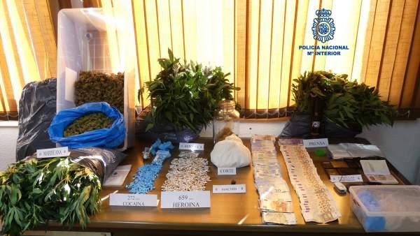 Detenidas dos personas por tráfico de drogas en Ribeira