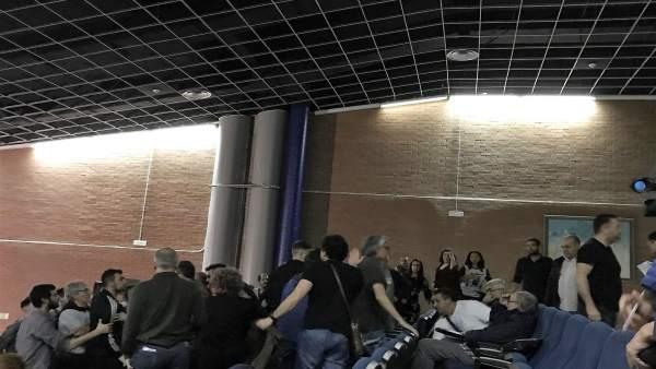 Bronca en la III Asamblea de Anova