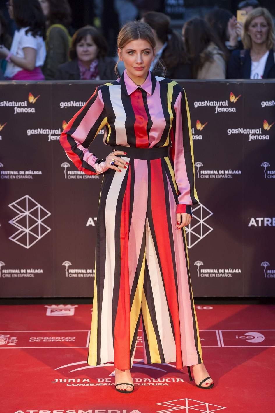 Miriam Giovanelli. La actriz Miriam Giovanelli ha elegido un mono de colores para asistir a la gala inaugural del Festival de Málaga.