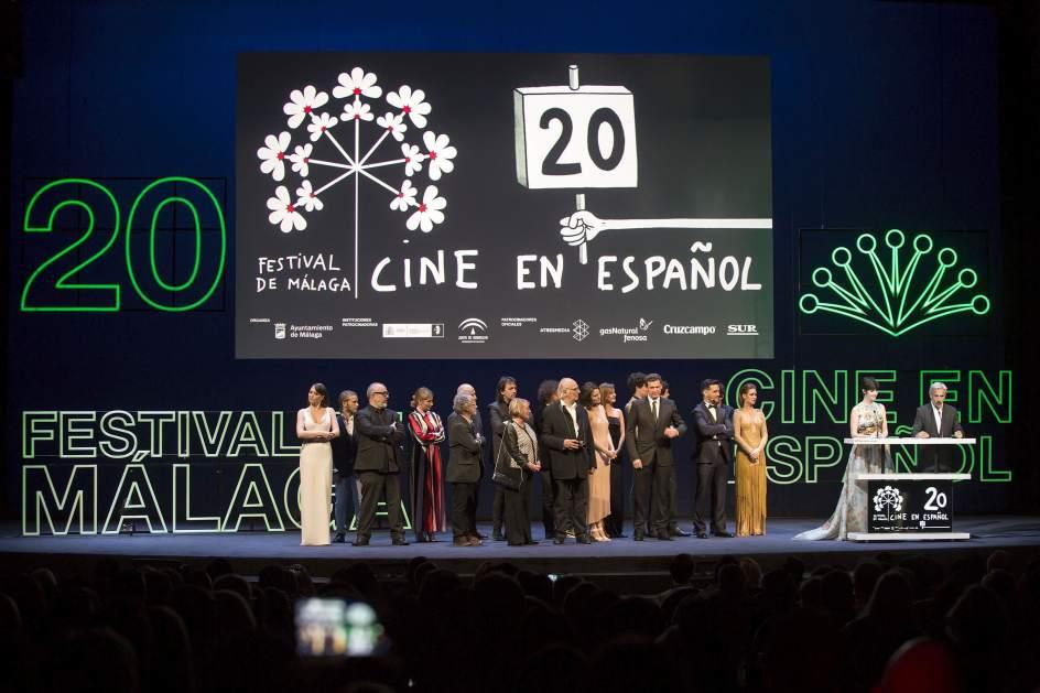 Gala inaugural. Los actores Paz Vega (2d) e Imanol Arias (d) durante la gala inaugural de la vigésima edición del Festival de Málaga de Cine Español.