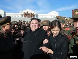 """Trump dice que Kim Jong-un tomó una decisión """"muy sabia"""" al no atacar Guam"""