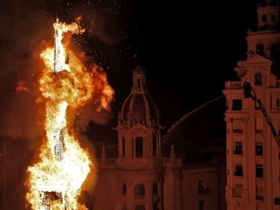 Valencia quema sus 770 fallas