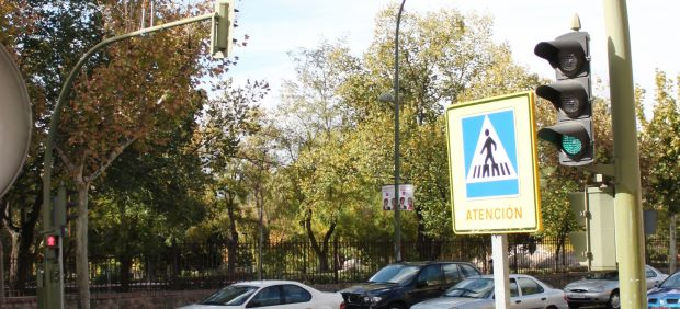 Paso de peatones con semáforo
