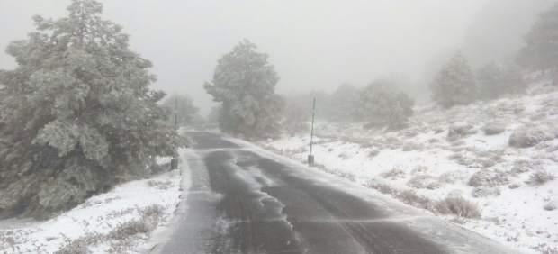Carretera cortada a Sierra Espuña, nieve, temporal