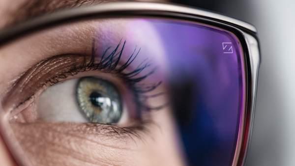 f0a71e3a6a Tecnología aplicada a la vista, cómo proteger los ojos en la era de los  dispositivos móviles