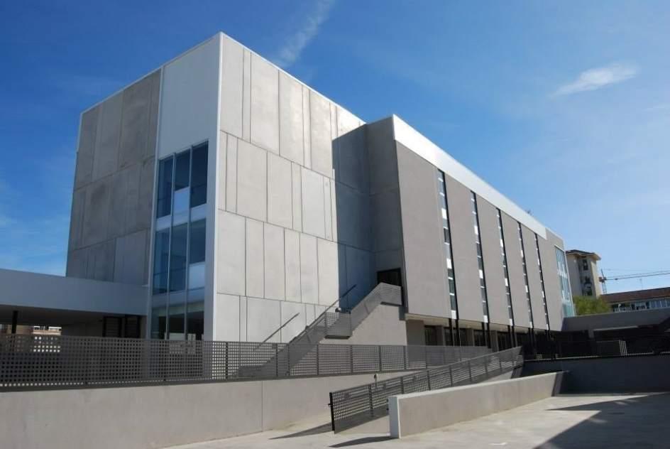 La universidad 39 online 39 isabel i contar con un nuevo for Centro asociado de madrid