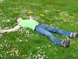 Primavera, tumbado, campo