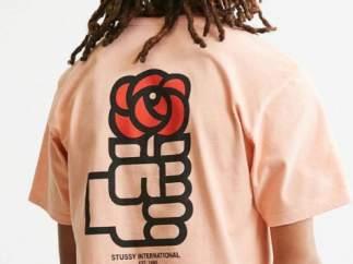 El PSOE estudia acciones legales contra una marca de ropa que vende camisetas con su logo