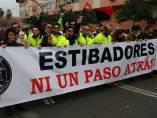 Estibadores manifestándose en Sevilla