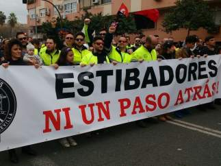 Los estibadores piden prejubilaciones voluntarias con un mínimo de 2.122 euros al mes