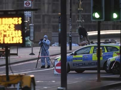 La Policía busca pruebas en Westminster