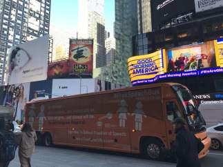 Hazte Oír viaja a EE UU para presentar su autobús tránsfobo