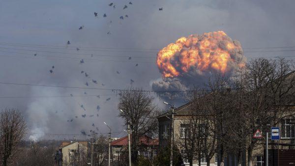 Explosión en un deposito de armas de Ucrania
