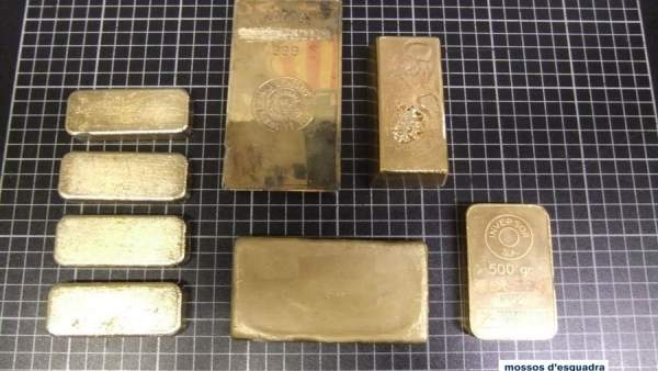 Lingotes de oro falsos usados por un estafador