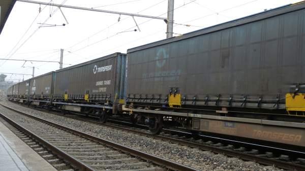 Tren de mercancías, transporte ferroviario