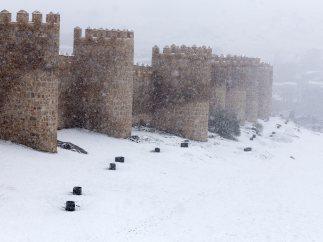Ávila se tiñe de blanco