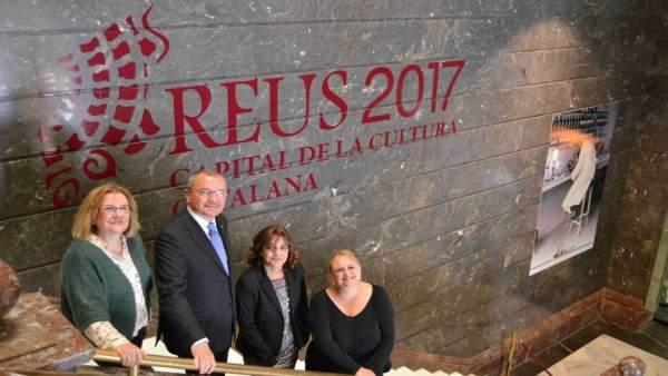 El alcalde de Reus Carles Pellicer y la vpta.De la CCMA Núria Llorach