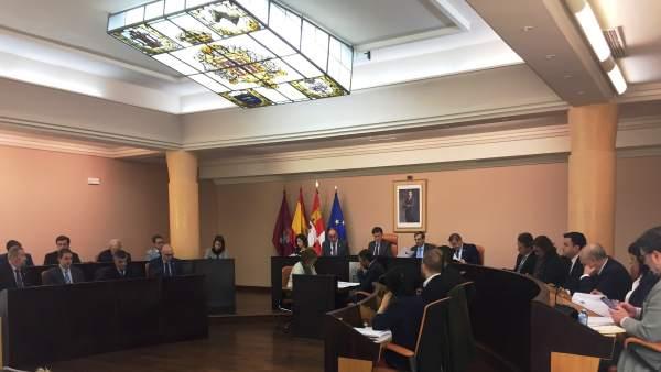 Pleno en la Diputación de Segovia.