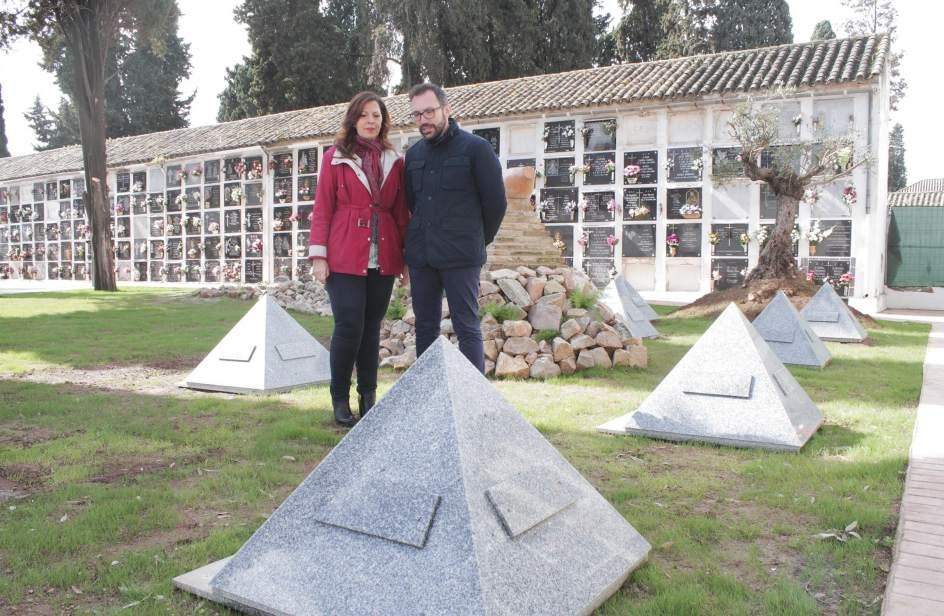 Cecosam ofrece en el cementerio de san rafael dos nuevas for Cementerio jardin del mar
