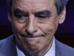 Fillon acusa a Hollande de orquestar una operación para hacerle renunciar