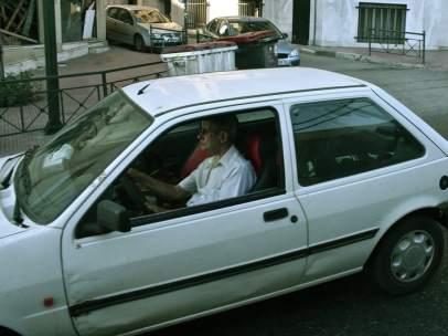 Anciano al volante