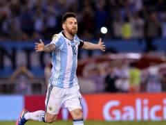 Messi supera sus traumas ante Chile y Neymar se luce