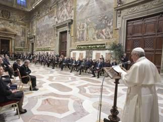 """El papa pide a los líderes de la UE """"enfrentar a fuerzas centrífugas"""" en tiempos del 'brexit'"""