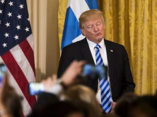 El primer gran fracaso legislativo de Trump demuestra que tiene al enemigo en su propia casa