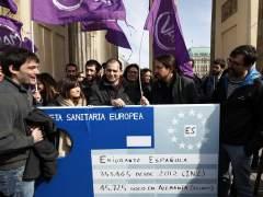 """Iglesias pide en Berlín una tarjeta sanitaria europea para los """"exiliados"""""""