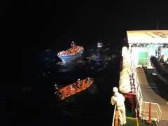 Rescatados 654 inmigrantes de tres barcos a la deriva en el Mediterráneo en una noche
