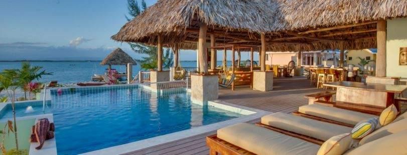 El mejor trabajo del mundo busca candidatos euros al mes por alojarse en casas de lujo - Casas de lujo en el mundo ...