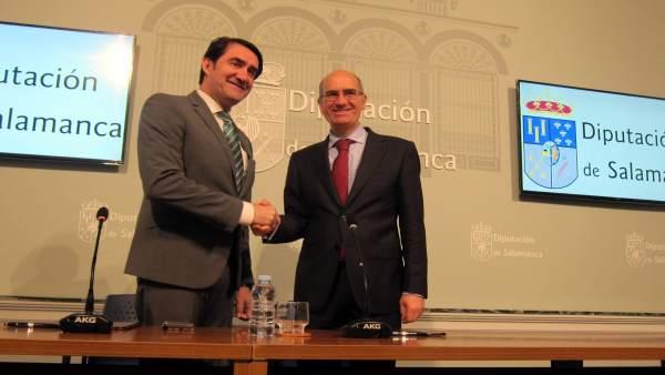 El consejero de Fomento y Medio Ambiente y el presidente de la Diputación