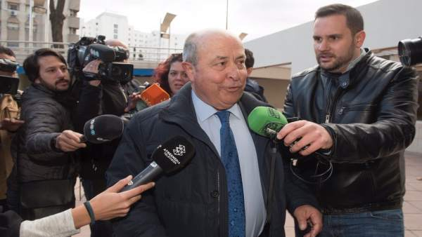 El exalcalde de Granada Torres Hurtado llega a los juzgados por el caso Serrallo