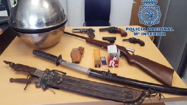 Varias de las armas intervenidas en la operación