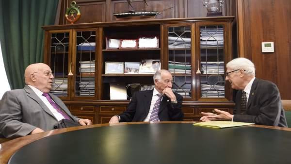 Gabriel Amat junto a los presidentes de la Casa de Almería en Barcelona.
